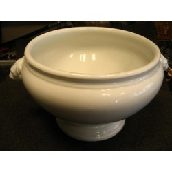 cup.  Lot-r424\4