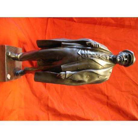 Lenin bust.